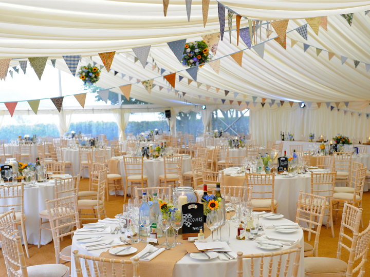 Hire marquees for your wedding in Oxfordshire